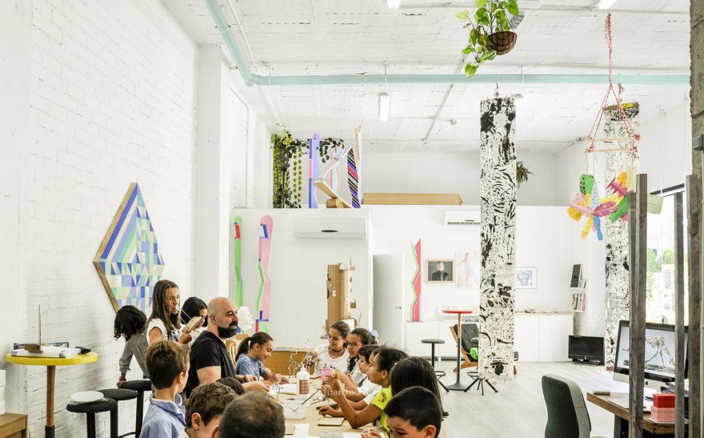 Taller dibujo y pintura niños. Espacio Nuca Salamanca Eduardo nuca espacio nuca campamento urbano verano creativo niños little artist